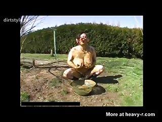 Mary Piggirl Smearing Dogshit 003
